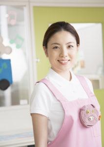 マイナビエージェントに登録して保育士からデザイン会社への転職(30代女性)